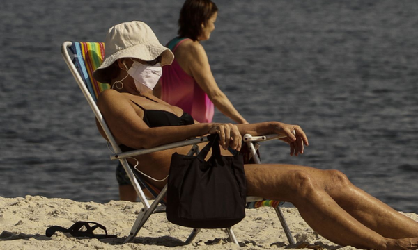 dicas para idosos na praia